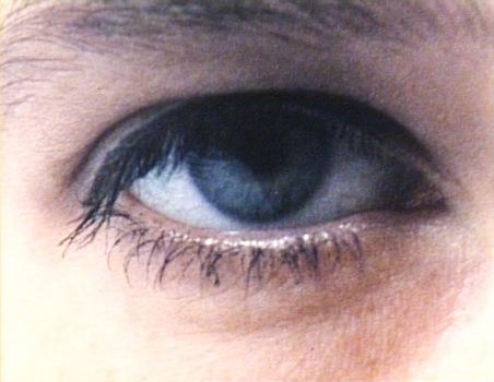 20110225011331-eyes-05