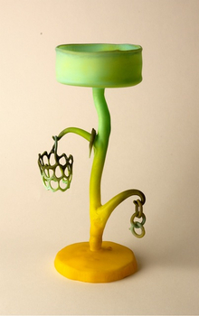 20110320083122-yellow_green_wineglass