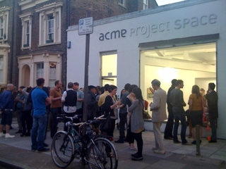 20110325075957-outside_project_space1