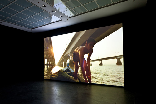 20110325091458-pfeifer_a_formal_film_in_nine_episodes__installation_view_fkv_mail