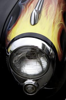 20110326085328-morse-ce_elvisstudebakerlamp