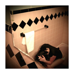 20110416113222-w_neumann_gwg_untitled_bathtub