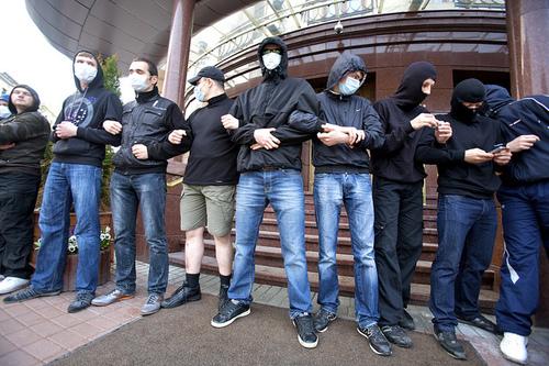 20110429122442-walk_with_pride_-_minsk_belarus_1_-_art_slant