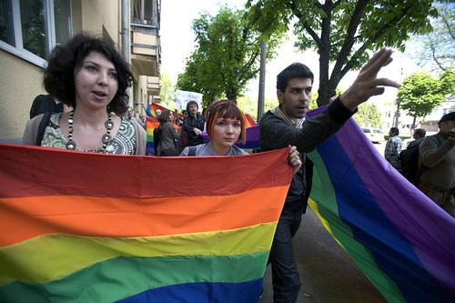20110429122502-walk_with_pride_-_minsk_belarus_2_-_art_slant
