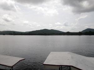 20110516010635-holdingwater
