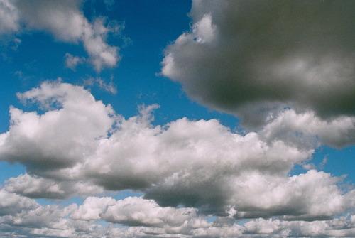 20110526045206-cloud_texture