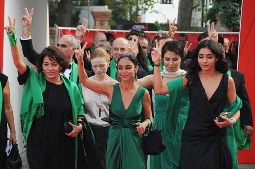 20110526220155-women_without_men_red_carpet_66th_venice_film_fucegm8bqbal