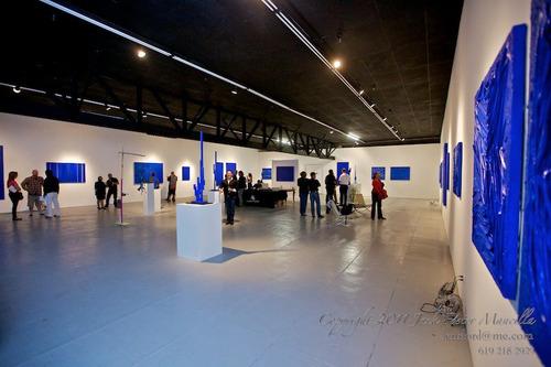 20110528120803-005_blue_exhibition_photo
