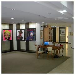 20110531070827-3_gallery_reception