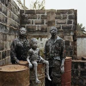 20110531103633-hugo_pieter-2009-chika_onyejekwe_junior_ofokansi_thomas_okafor_enugu_nigeria-421