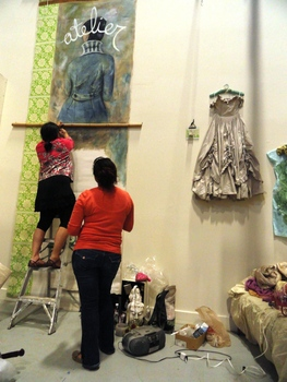 20110604145639-cynthia_tom_installating_atelier_place_2011_2_photo_cris_matos