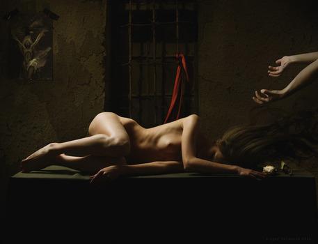 20110609054000-inquisition2
