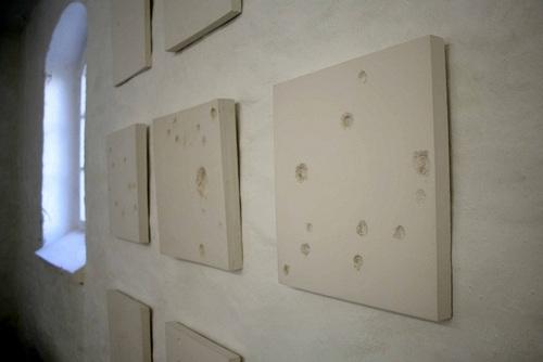 20110610111317-bulletholes_bayer