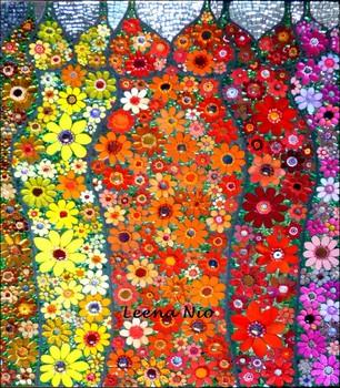 20120416085856-flower_queens2