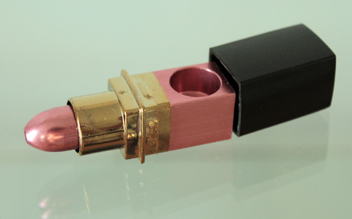 20110701121408-lipstickpipeweb