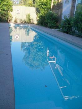 20110701151014-saline_pool