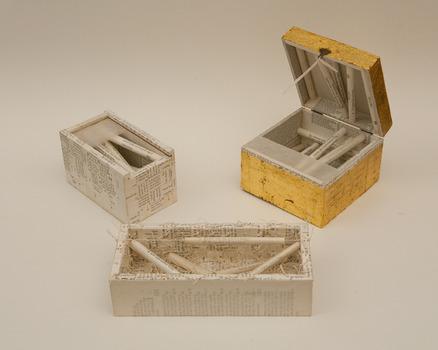 20110701194440-carole_boxes