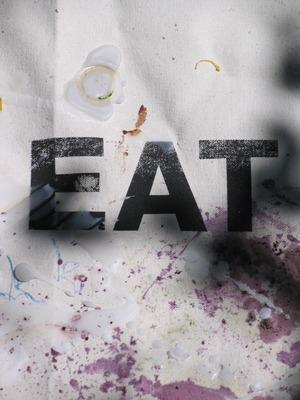 20110706095445-eat_sm