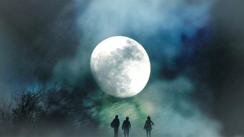 20110710043022-the_dark_night_3