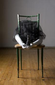 20110712185909-armchair_lr