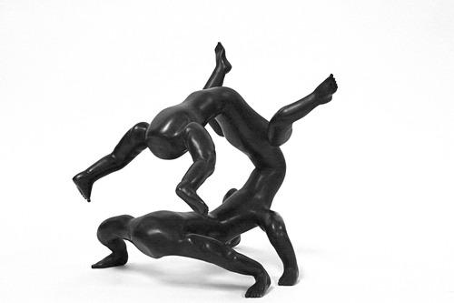 20110714091849-bronzeputto2x2x2x2