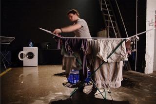 20110728011034-laundry