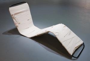 20110816110231-chair