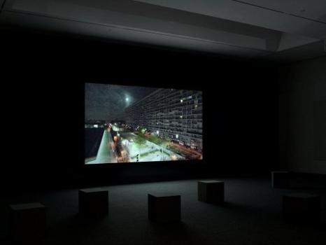 Stan_douglas_projection_1_moon