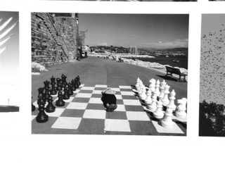 20110911220927-chess_on_beach_9105859
