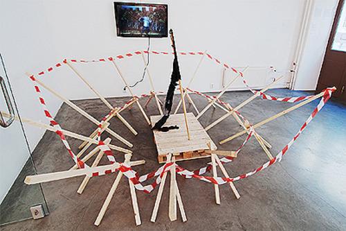 20110914063424-ivar_veermae_fortress_freedom_installation