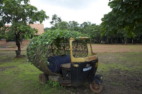 20110915172547-mobile_garden