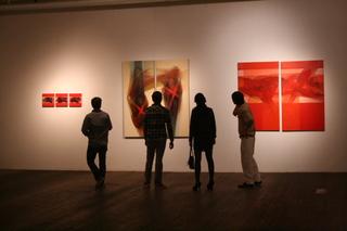 20110921085248-gaga_arts_center_posada