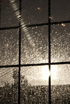 20110921144640-rainlight_1