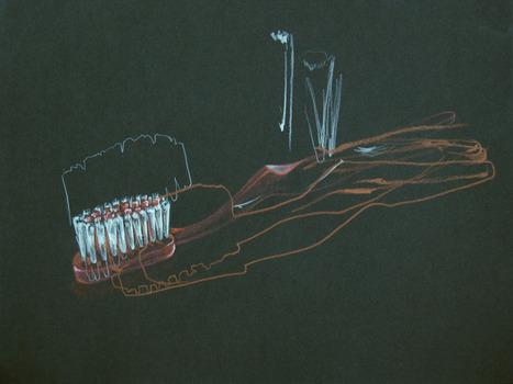 20110922201508-toothbrushlr