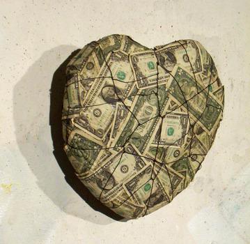 20110924072722-dollarheartaartslant