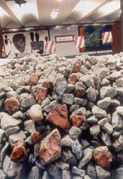 20111001082112-rocks_8
