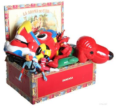 20111007104247-immense-red-toybox