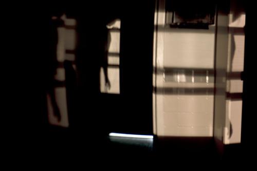 20111015082717-slipping_through