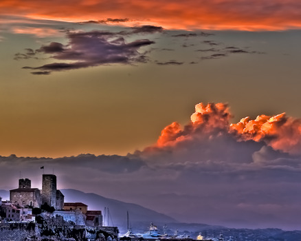 20111016203133-clouds_on_fire-_nuages_en_feu-