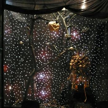 20111017123503-bw_saints___sinners_opening