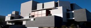 20111019083554-broadbuilding