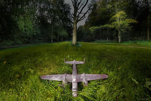 20111019131045-vliegtuig1laagklaarpink2