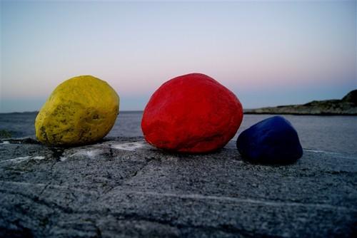 20111024143318-stones_1