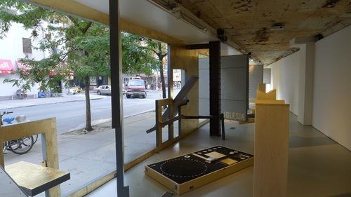 20111026122937-exhibition_image_1