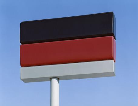 20111027041635-josef-schulz-schwarz-rot-weiss