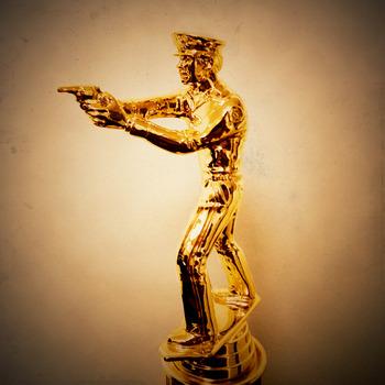 20111029131545-trophy2finale2