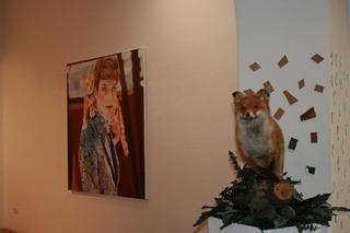 20111102035912-anna_borowy_hinter_den_spiegeln_at_janinebeangallery_berlin3