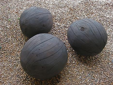 20111102144448-burnedballs