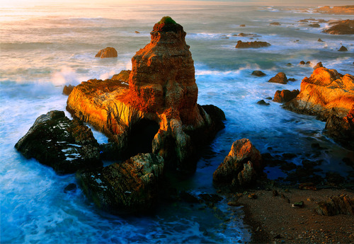 20111103164930-sea_stack_montana_de_oro_72dpi