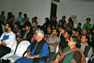 20111109001520-audience